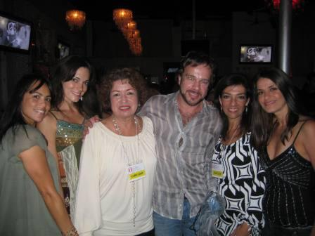 Domi with women-sm