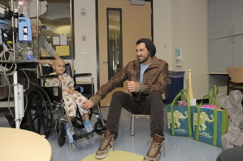 Maksim at Children's Hospital LA2