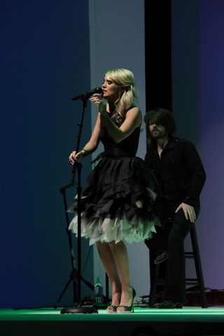 Carrie Underwood performing at Nordstrom Nashville Symphony Fashion Show _credit RoyceDeGrie