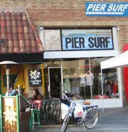Pier_surf_shop